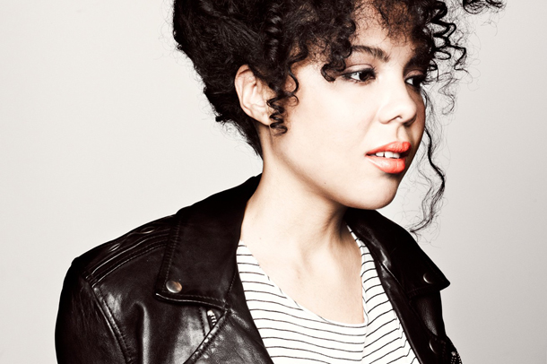 "Watch The Cool Performance from Mapei: ""Don't Wait"" - David Letterman"