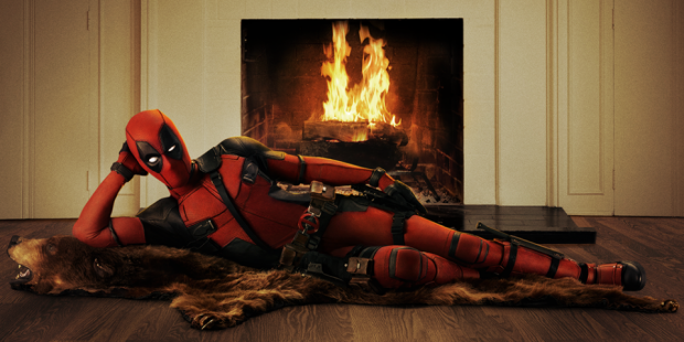 YES! Deadpool: Official image of Ryan Reynolds in costume