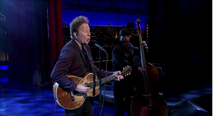 Watch Tom Waits pay special Tribute to Letterman with a new song!
