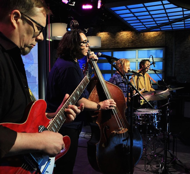 "Watch: Yo La Tengo Cover the Cure's ""Friday I'm in Love"""