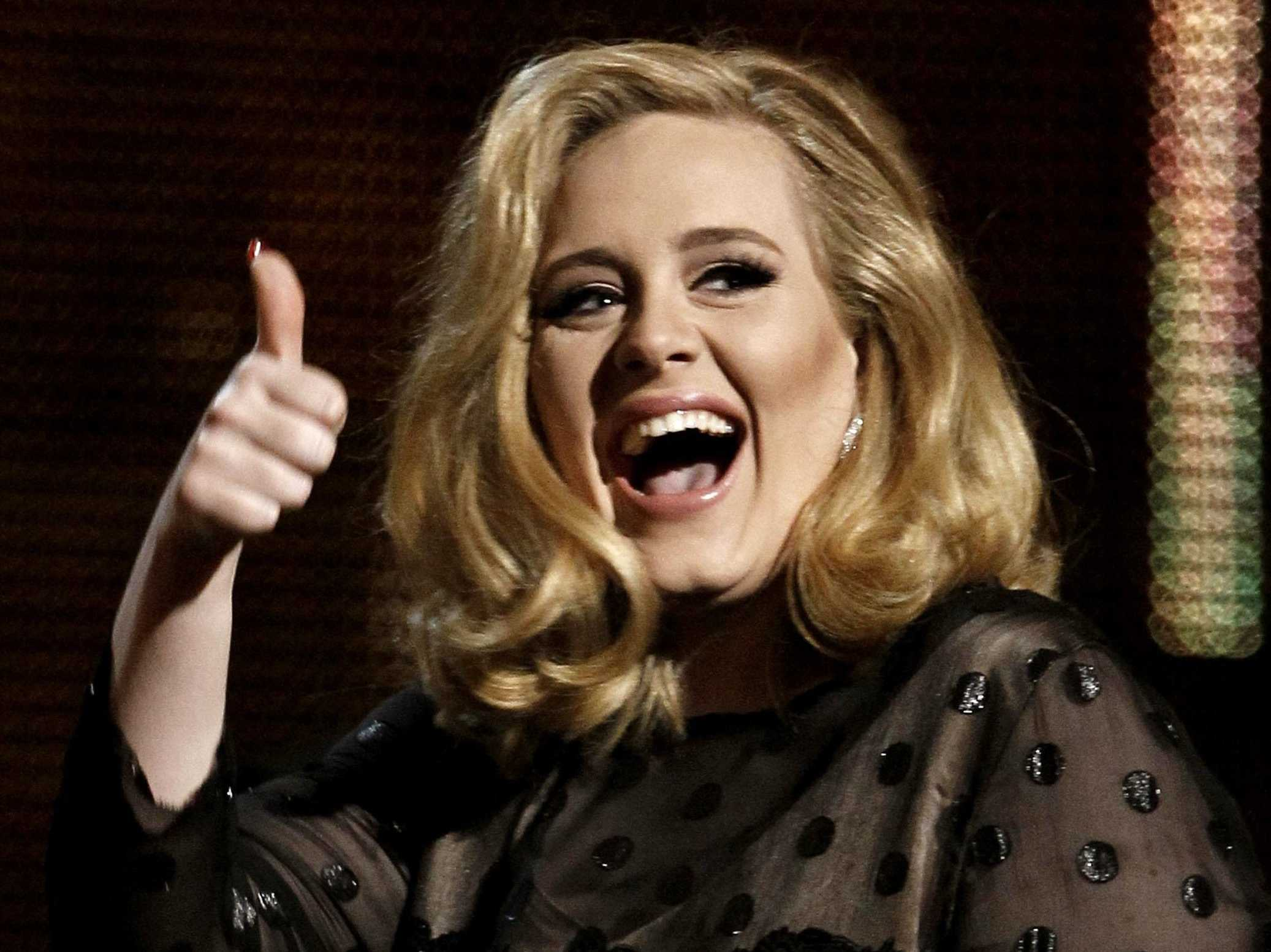 Adele Becomes The First Artist To Sell 1M Downloads In A Week