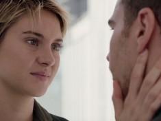 Honest Trailers - The Divergent Series: Insurgent