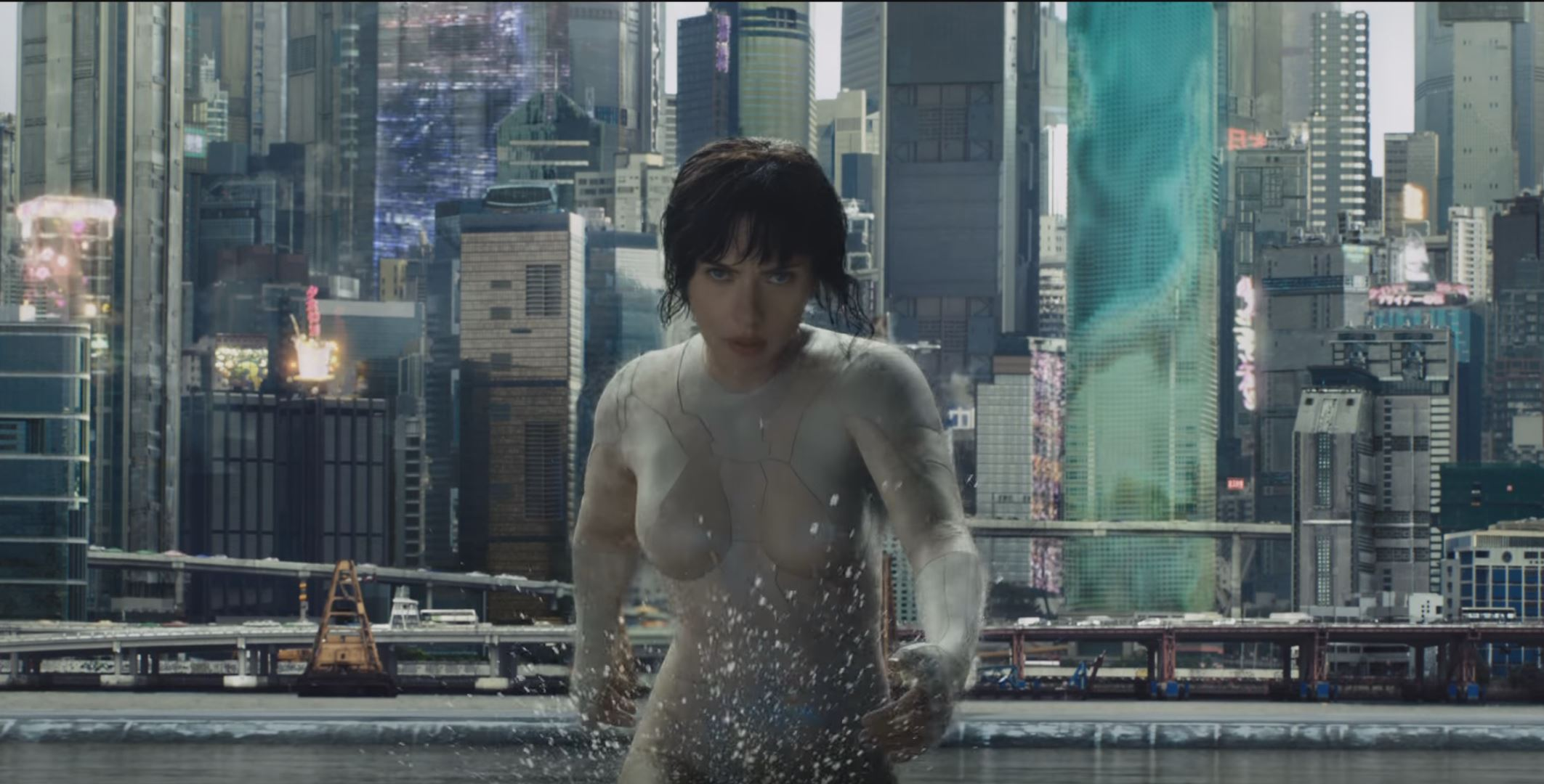 See new footage of Scarlett Johansson from Ghost in the Shell
