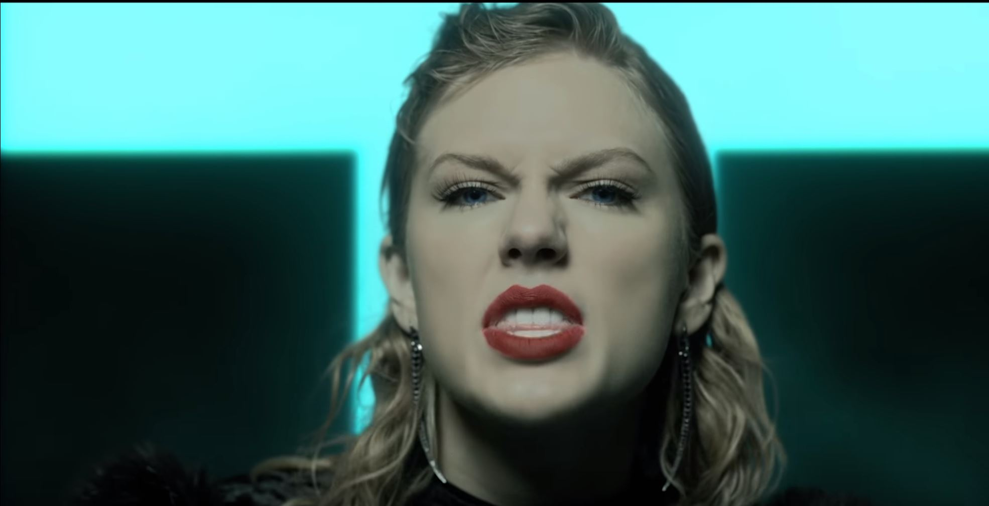 "Taylor Swift Drops ""Look What You Made Me Do"" Video"