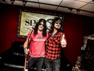 Nikki Sixx & Slash Discuss Their Favorite Riffs