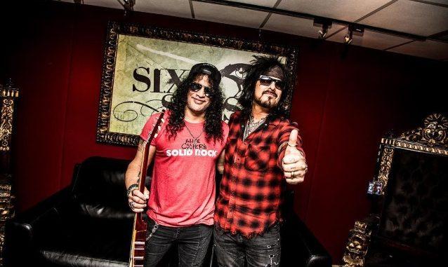 Nikki Sixx & Slash Discuss Their Favorite Riffs