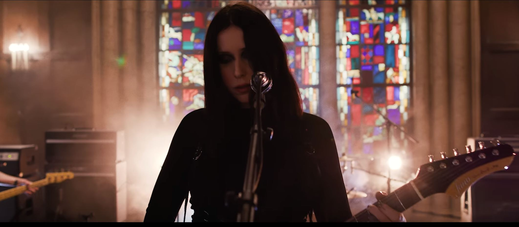 Watch Chelsea Wolfe Fantastic Live Performance With '16 Psyche' @ Audiotree