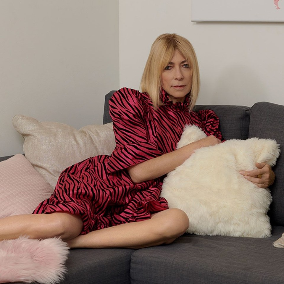 "Watch Kim Gordon of Sonic Youth new funny Video - ""Air BnB"""