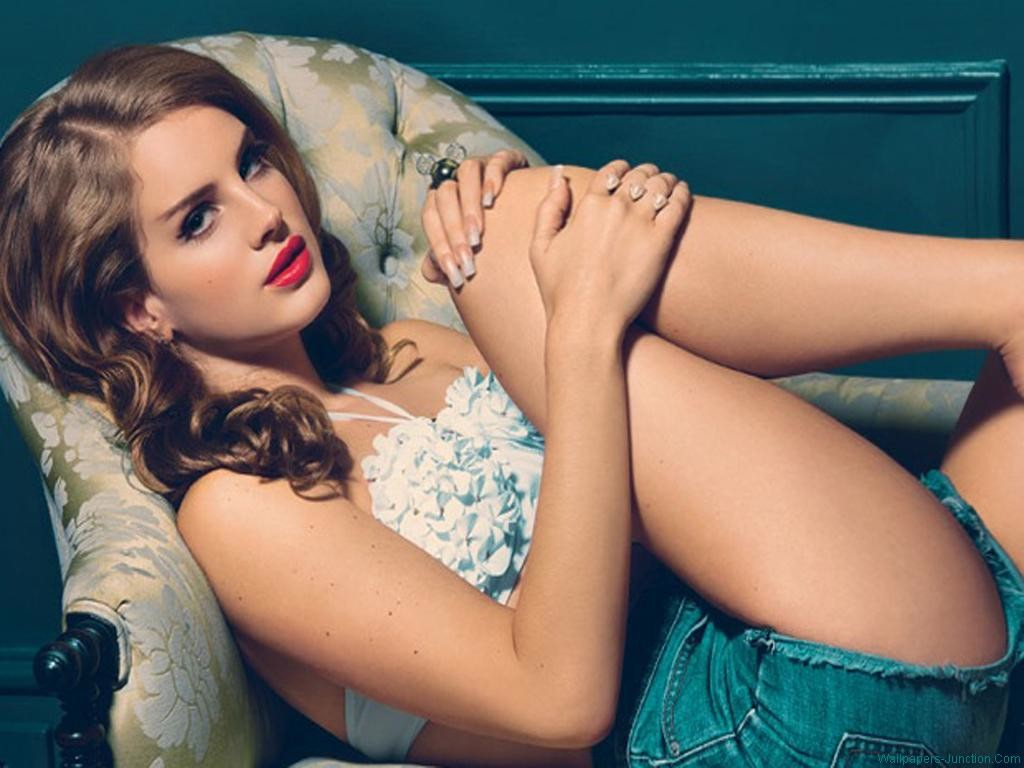 Lana Del Rey´s New Vid...YAAAAWNNN