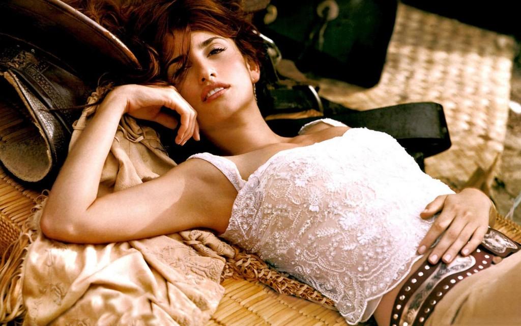 Penelope Cruz named 'sexiest woman alive' by Esquire magazine