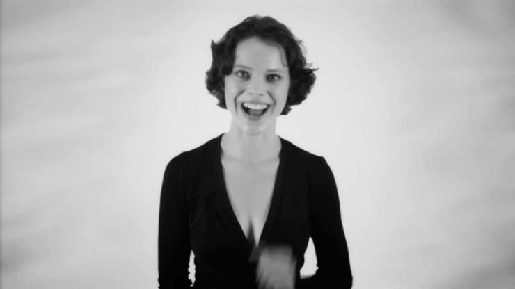 Check out this German Lady Singing in Two Notes at the same Time (!)