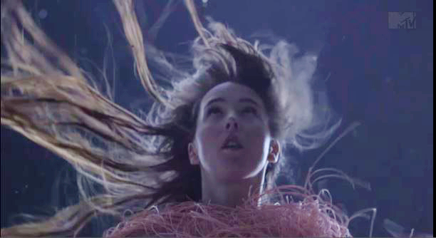"""Purity Ring Share new """"Push Pull"""" Video"""