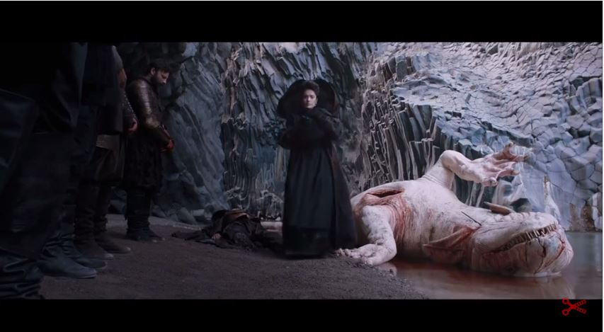 """Watch Salma Hayek devouring a bloody dragon heart in the Trailer for """"The Tale Of Tales"""""""