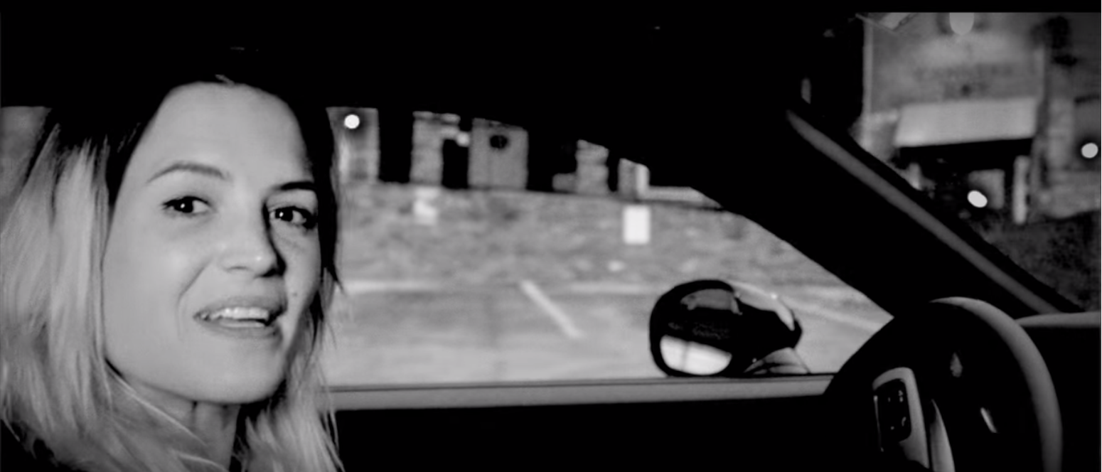 """The Dead Weather Perform """"Lose the Right"""", Alison Mosshart Explains Her Lyric Writing"""