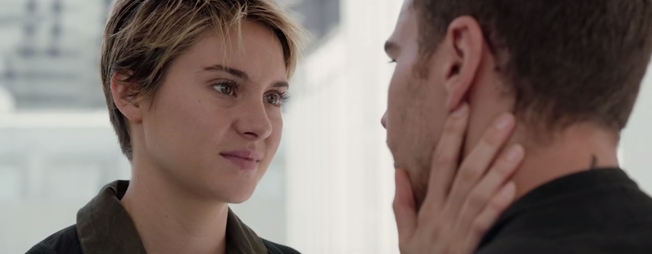 Honest Trailers - The Divergent Series: Insurgent
