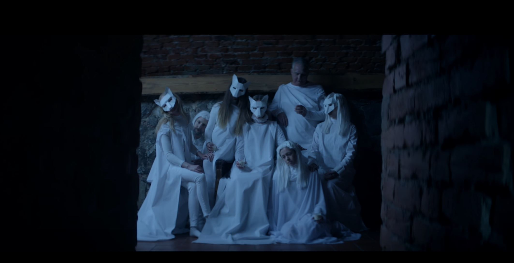 ionnalee´s first single aside from the iamamiwhoami project Video: NOT HUMAN