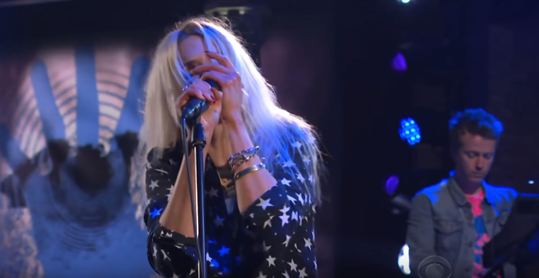 The Kills Perform The New Single 'List Of Demands (Reparations)' On Stephen Colbert