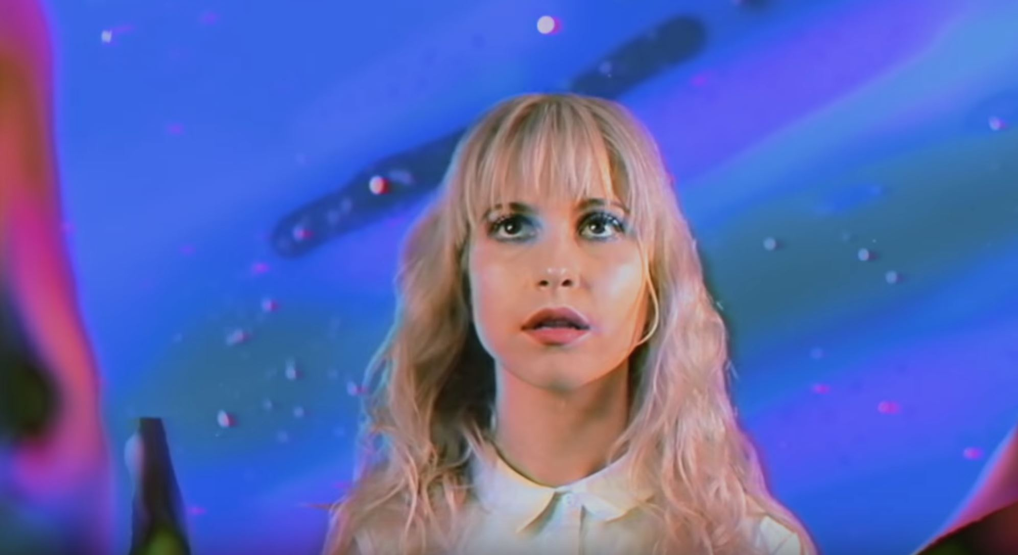 New Video From Paramore: Caught In The Middle