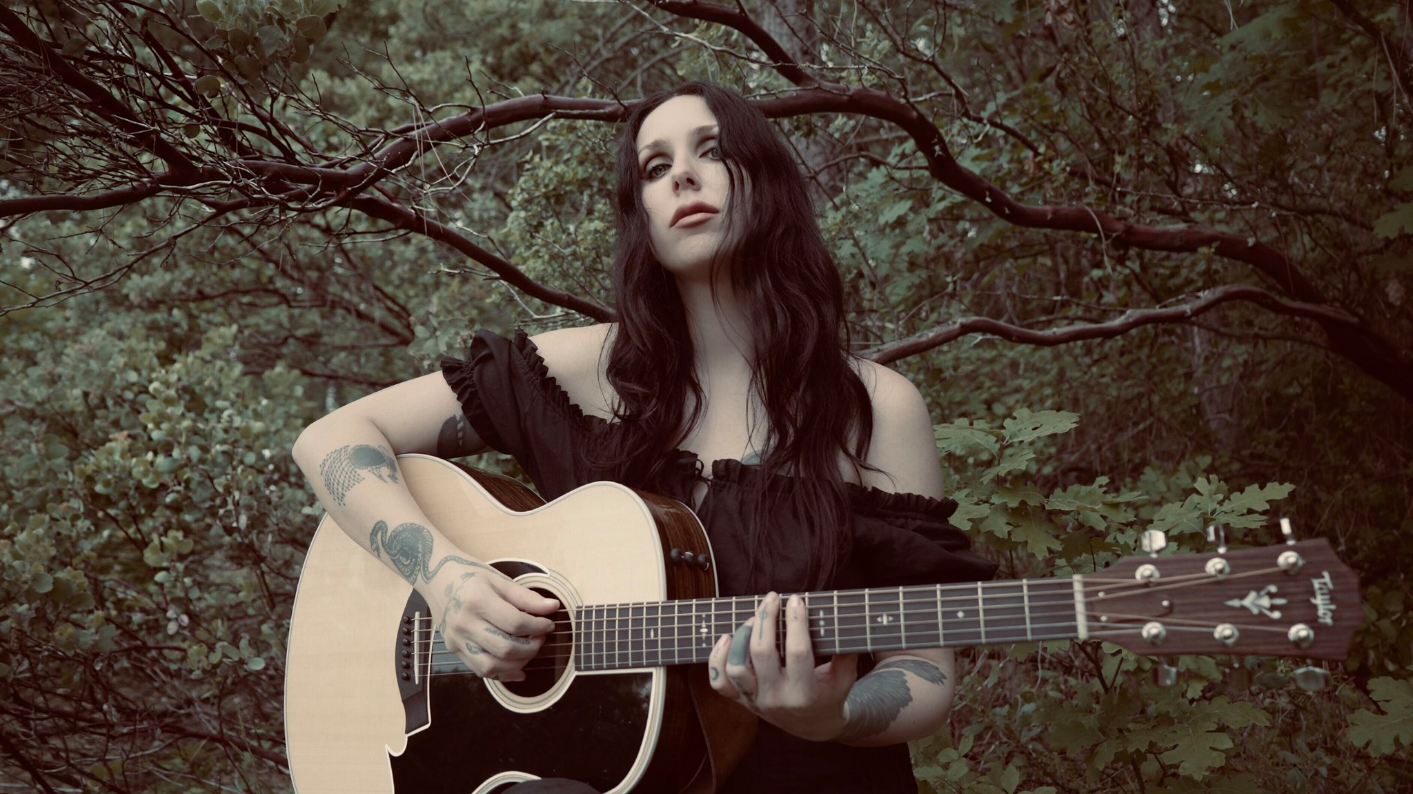 "Chelsea Wolfe ""Deranged for Rock & Roll"" New Official Video"